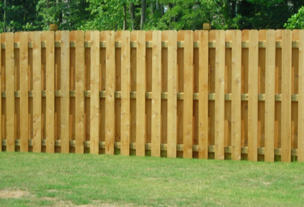 fence building contractors in Santa Ana